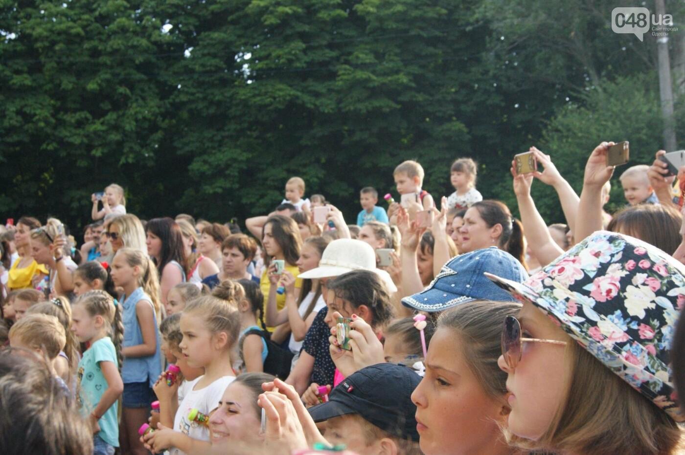 В Одессе в небо выпустили тысячи мыльных пузырей, - ФОТО, ВИДЕО, фото-12