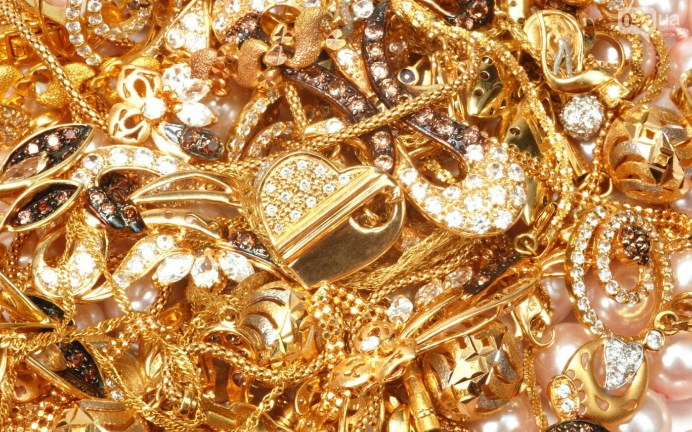 d3d6d0711dd3 Житель Одесской области сдал в ломбард золото своей жены
