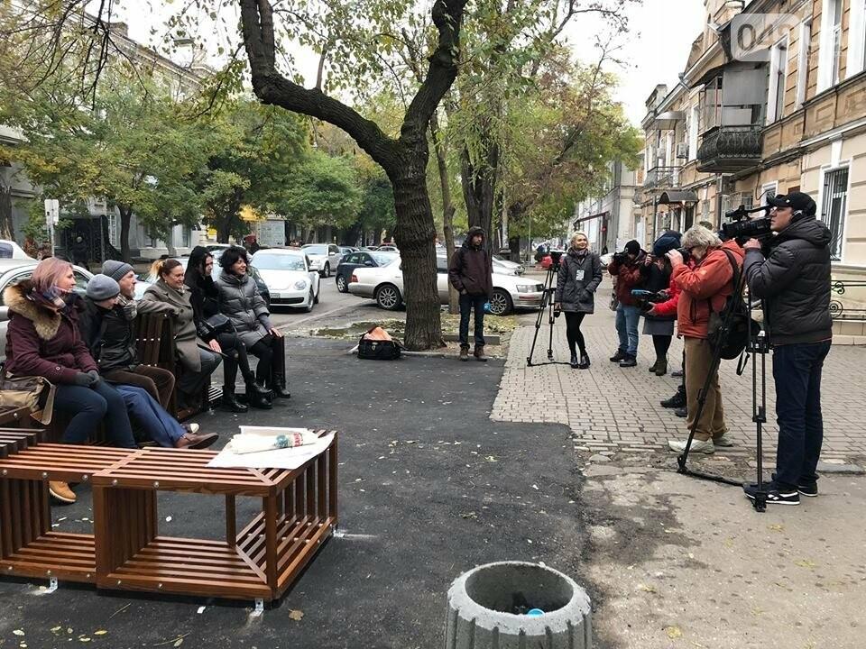 Напротив одесского Двора-Сцены открыли городской парклет, - ФОТО, фото-2