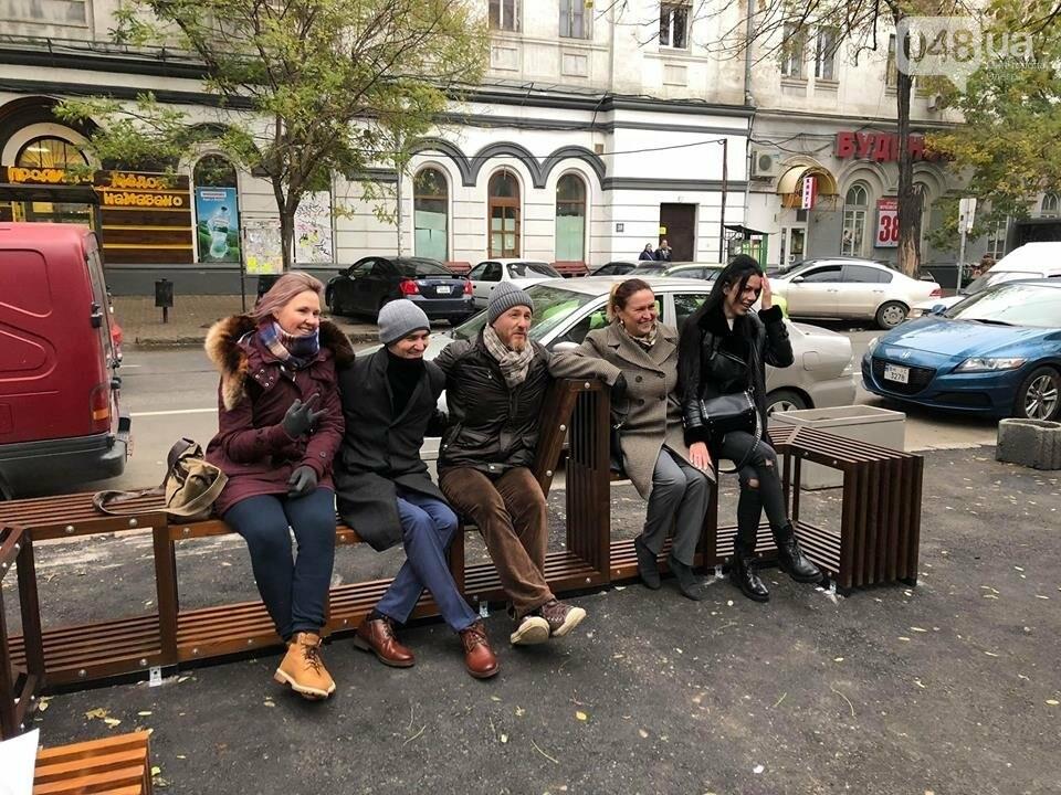 Напротив одесского Двора-Сцены открыли городской парклет, - ФОТО, фото-1