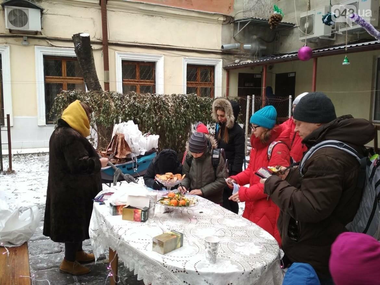 В одесском дворике помощники Святого Николая раздавали подарки, - ФОТОРЕПОРТАЖ, фото-26