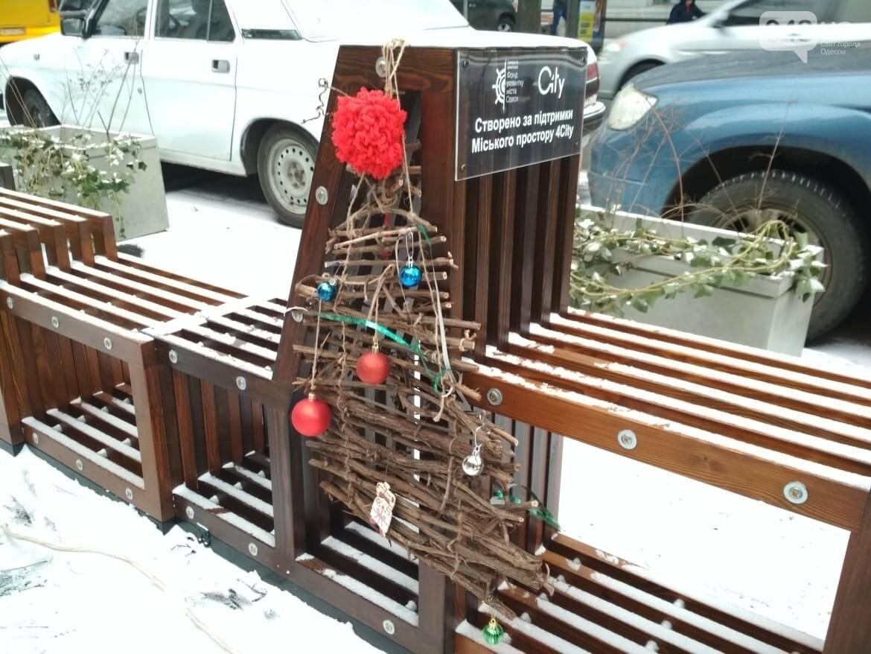 В одесском дворике помощники Святого Николая раздавали подарки, - ФОТОРЕПОРТАЖ, фото-2