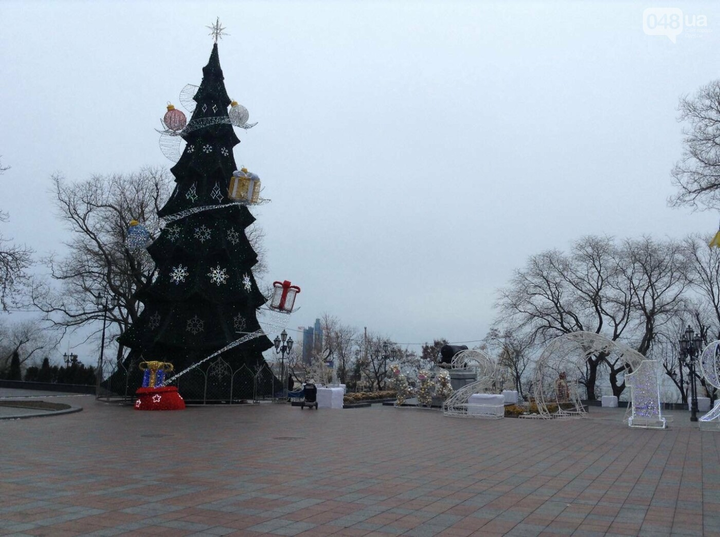 """Новогодняя иллюминация от горсовета """"отсвечивает"""" уголовными делами, - ФОТО, фото-5"""