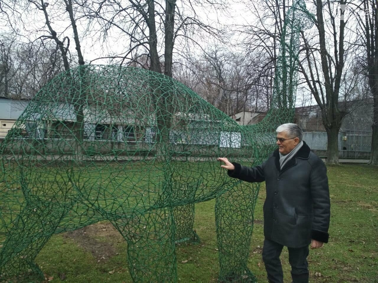 В Одесском зоопарке появился динозавр: попробуй разглядеть, - ФОТО, фото-2