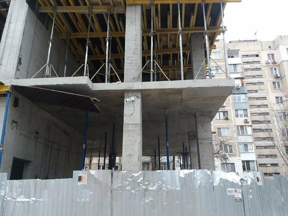 Стройка без опознавательных знаков: в Одессе кафе внезапно подросло на 2 этажа, - ФОТО, фото-10