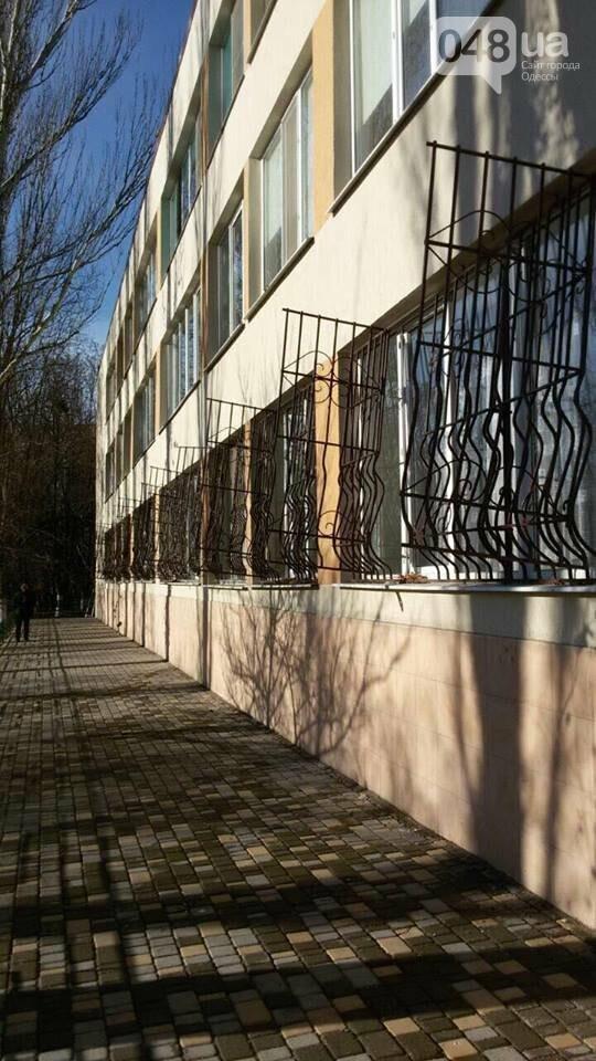 В одесской школе нашли компромиссное решение вопроса безопасности, - ФОТО, фото-2