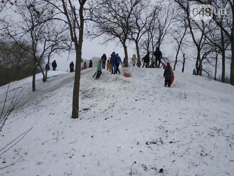 Зима в одесском Парке Победы: снежный фоторепортаж, - ФОТО, фото-23