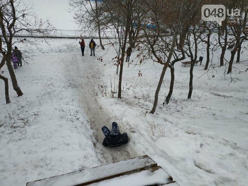 Зима в одесском Парке Победы: снежный фоторепортаж, - ФОТО, фото-21