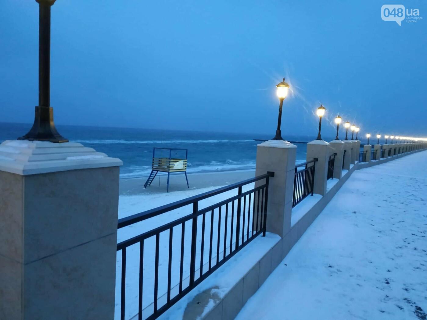 Заснеженные одесские пляжи вечером: вот где стоит прогуляться, - ФОТО, фото-7