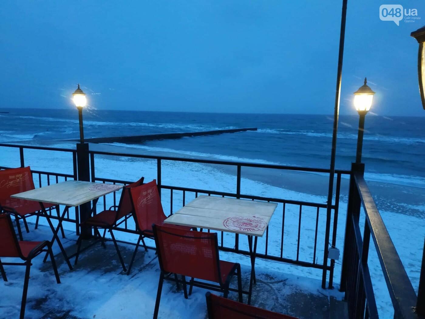 Заснеженные одесские пляжи вечером: вот где стоит прогуляться, - ФОТО, фото-24