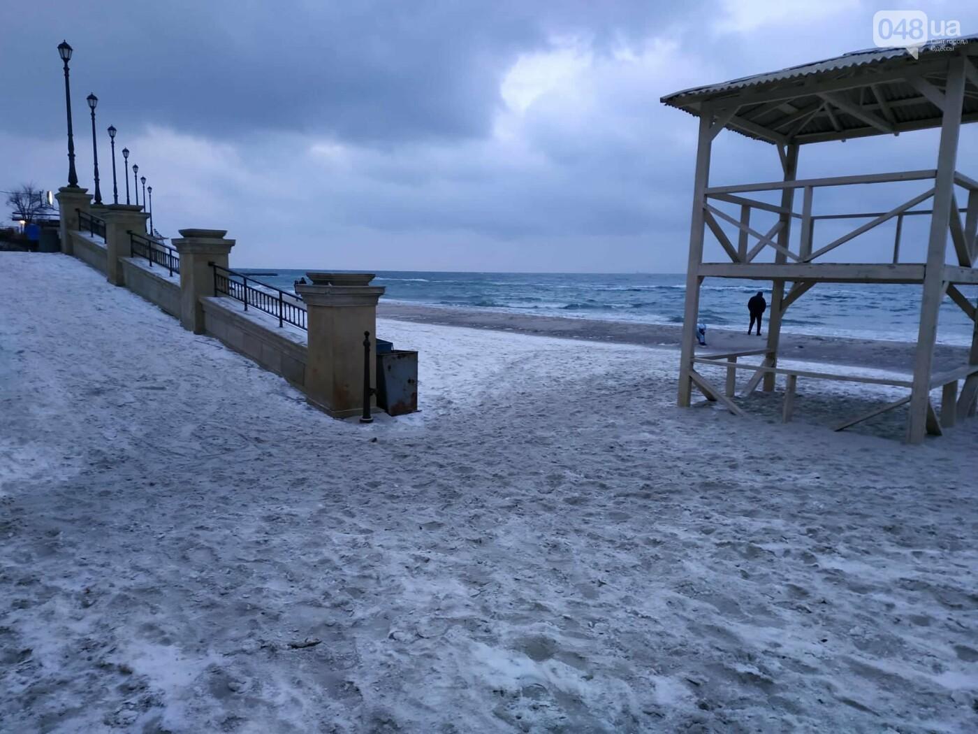 Заснеженные одесские пляжи вечером: вот где стоит прогуляться, - ФОТО, фото-48