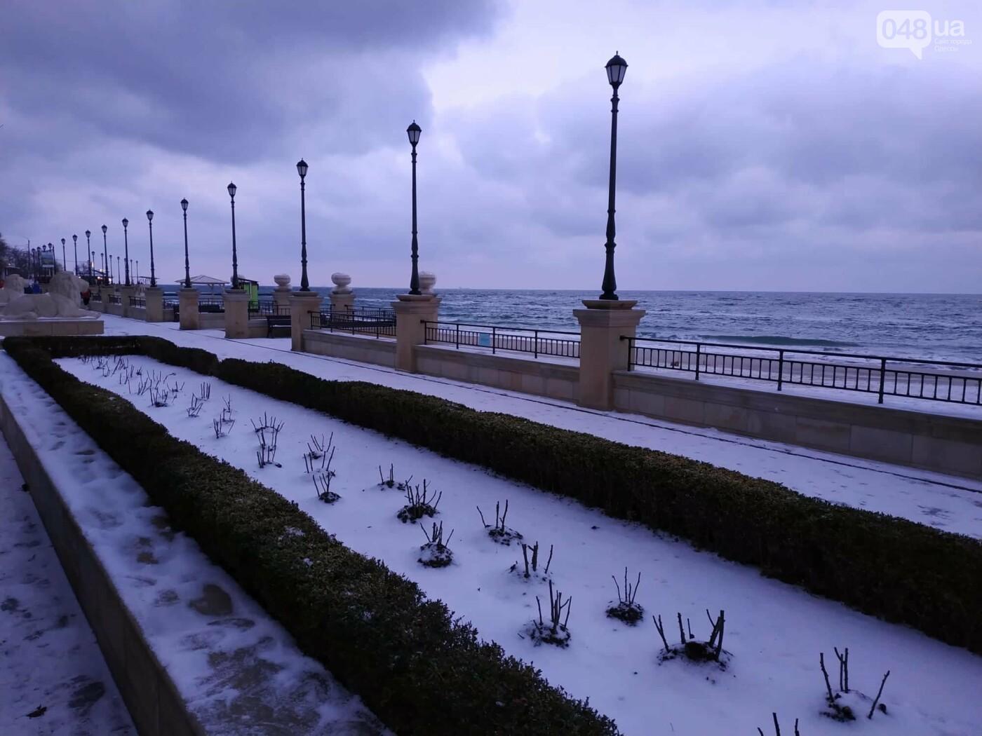 Заснеженные одесские пляжи вечером: вот где стоит прогуляться, - ФОТО, фото-26