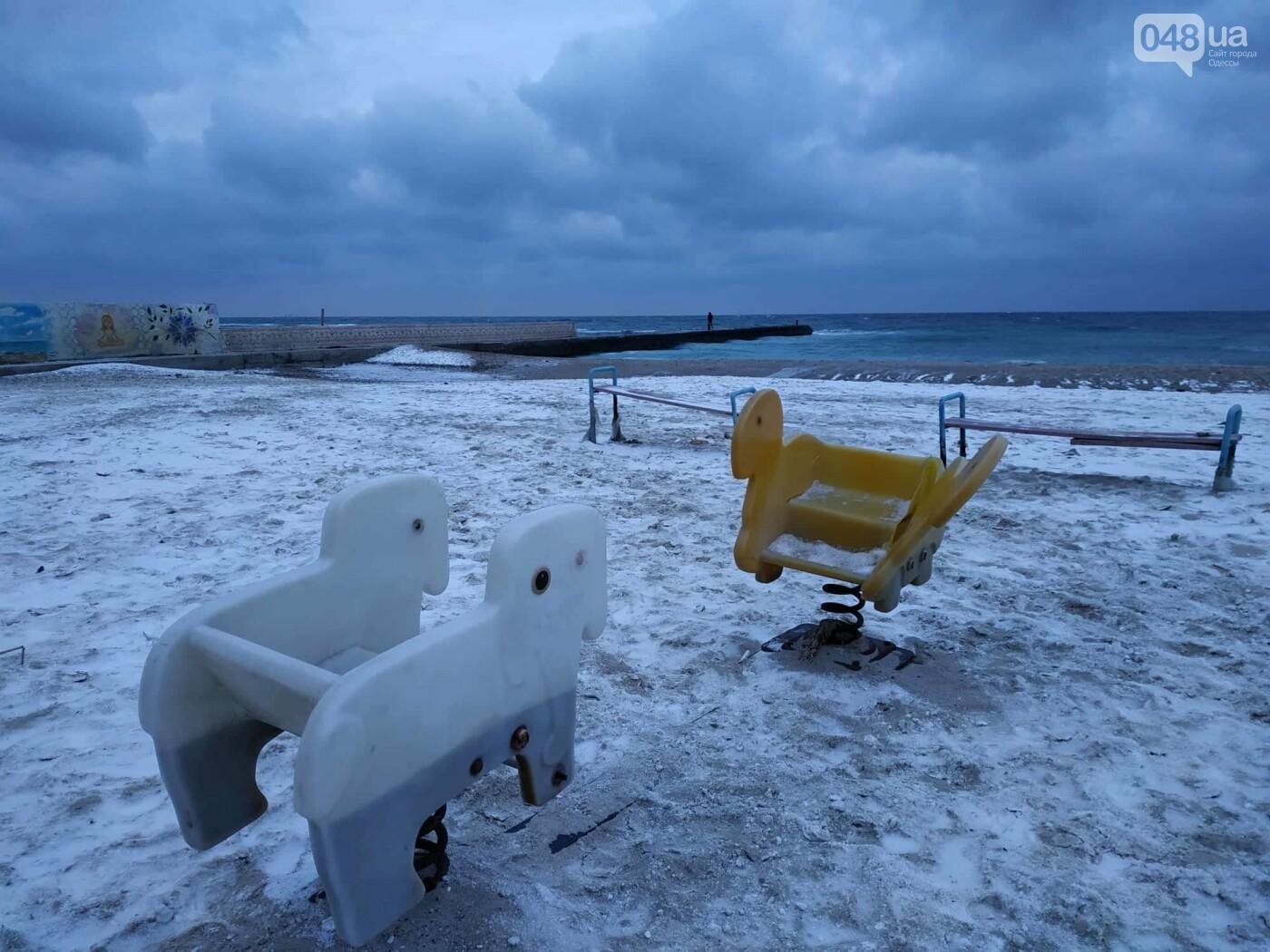 Заснеженные одесские пляжи вечером: вот где стоит прогуляться, - ФОТО, фото-49