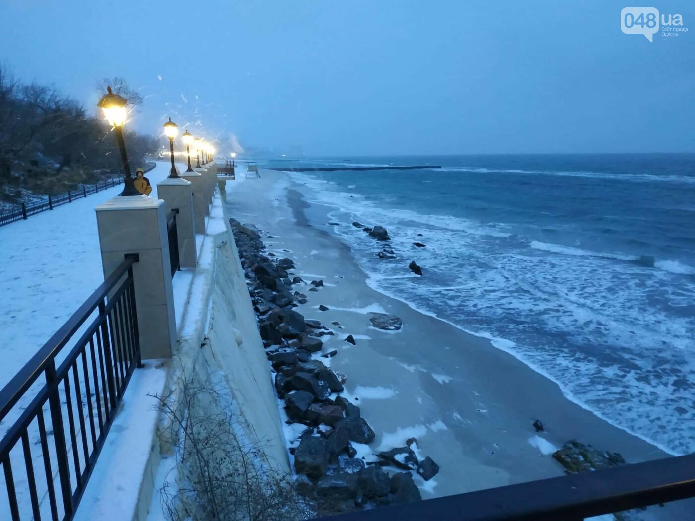 Заснеженные одесские пляжи вечером: вот где стоит прогуляться, - ФОТО, фото-35