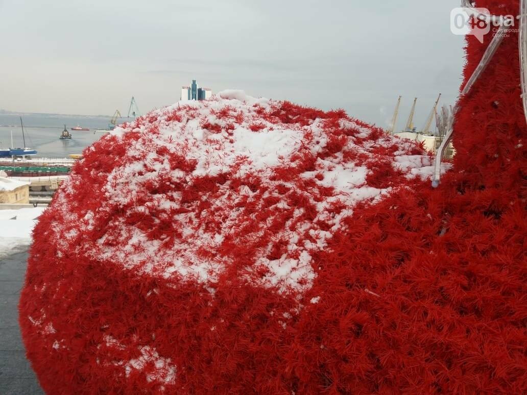 Вандалы повредили новогодние инсталляции в центре Одессы, - ФОТО, фото-6