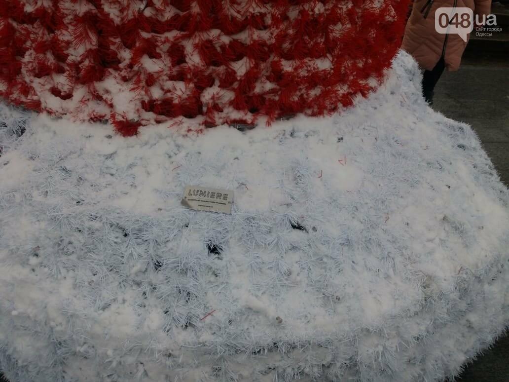 Вандалы повредили новогодние инсталляции в центре Одессы, - ФОТО, фото-9