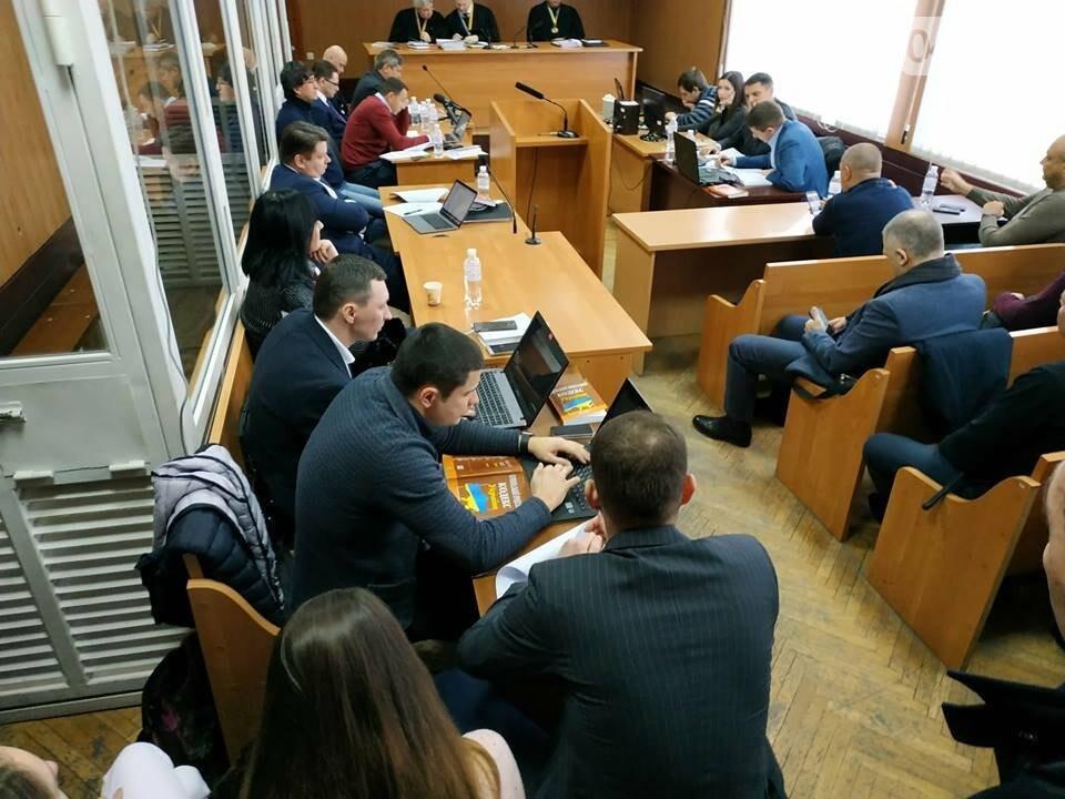 Суду зачитали антитрухановскую колядку: на активистов набросилась агрессивная старушка , фото-9