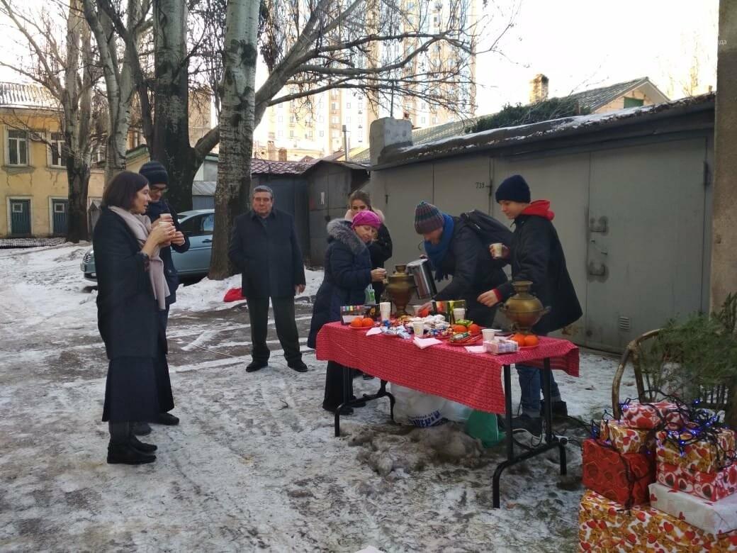 В Одессе выбрали самую красивую дворовую елку, - ФОТО, ВИДЕО, фото-9