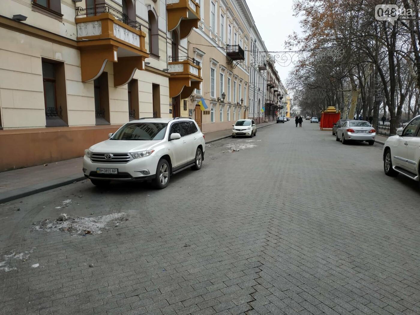 Праздники закончились: главную елку Одессы разбирают, - ФОТО, фото-8