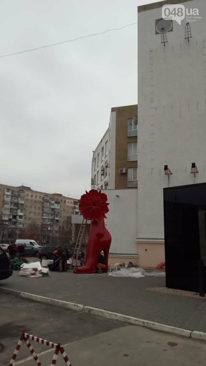 """""""Чей туфля?"""", - в Одессе устанавливают гигантский арт-объект , фото-1"""