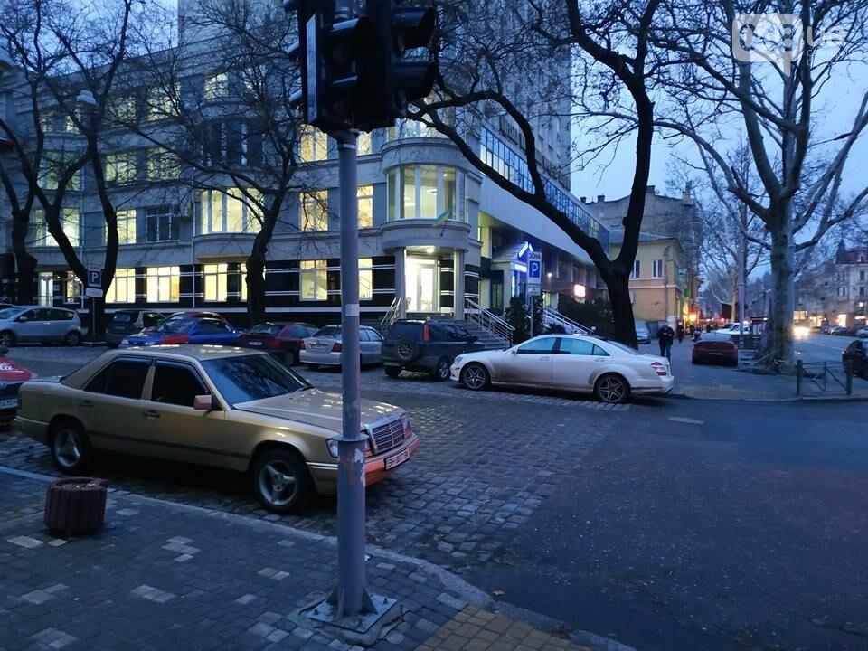 В Одессе обнаружен парящий светофор, - ФОТО, фото-9