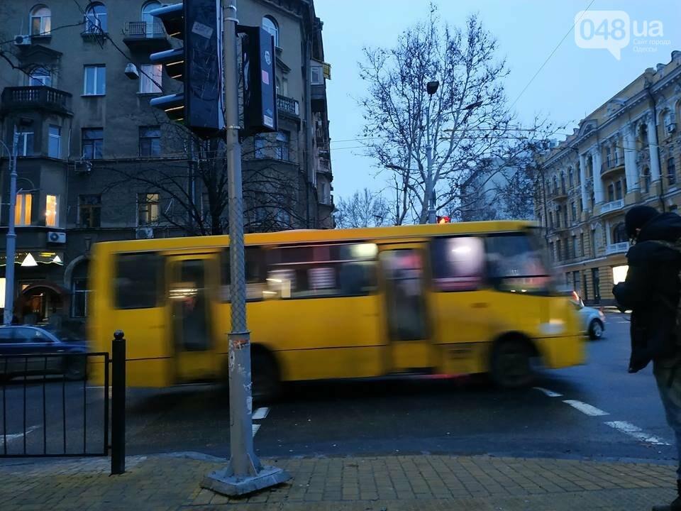 В Одессе обнаружен парящий светофор, - ФОТО, фото-4
