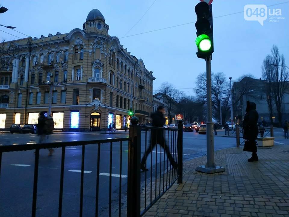 В Одессе обнаружен парящий светофор, - ФОТО, фото-3