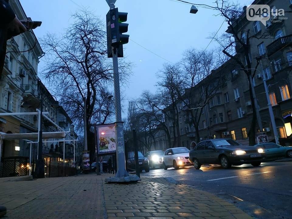 В Одессе обнаружен парящий светофор, - ФОТО, фото-2