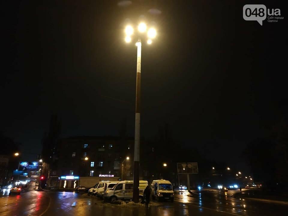 В Одессе засветил огромный фонарь, - ФОТО, фото-1
