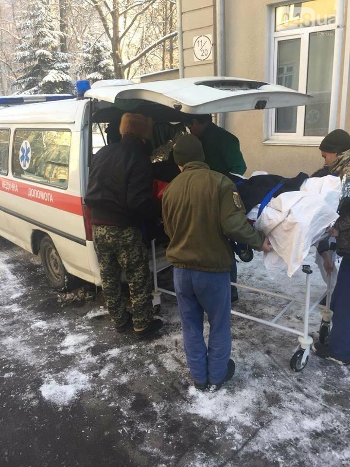 Волонтерам одесского военного госпиталя нужна помощь: доставлен тяжело раненный , фото-3