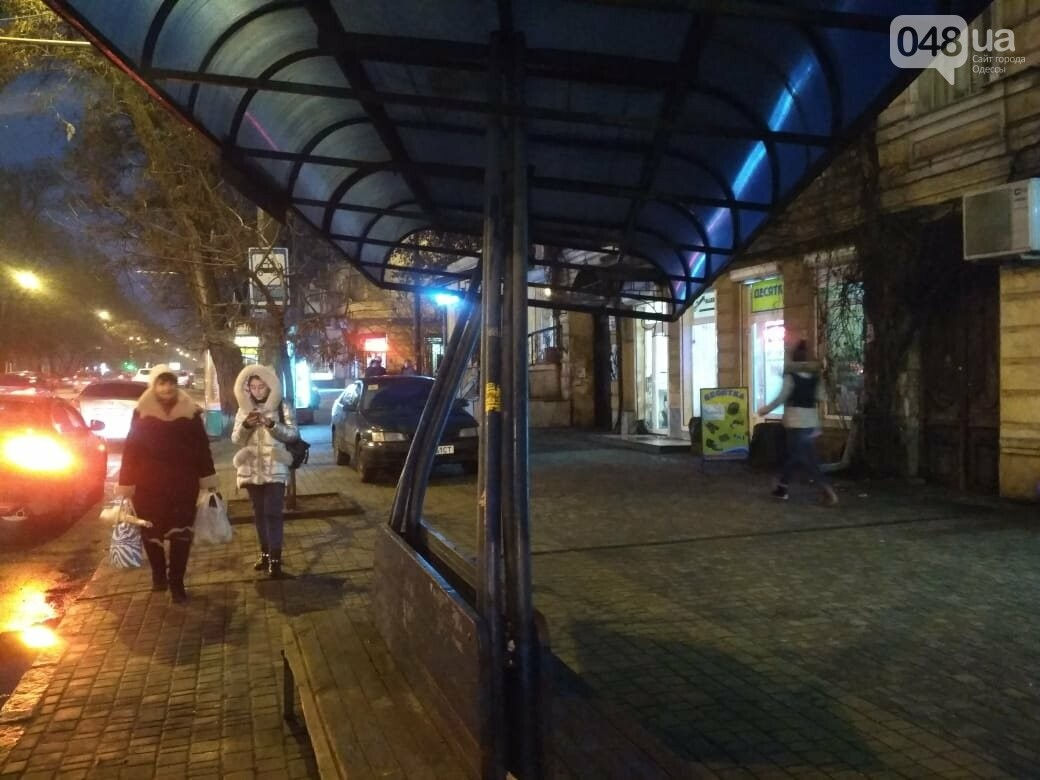 """В Одессе """"пизанская"""" остановка угрожает жизни людей, - ФОТО, фото-3"""