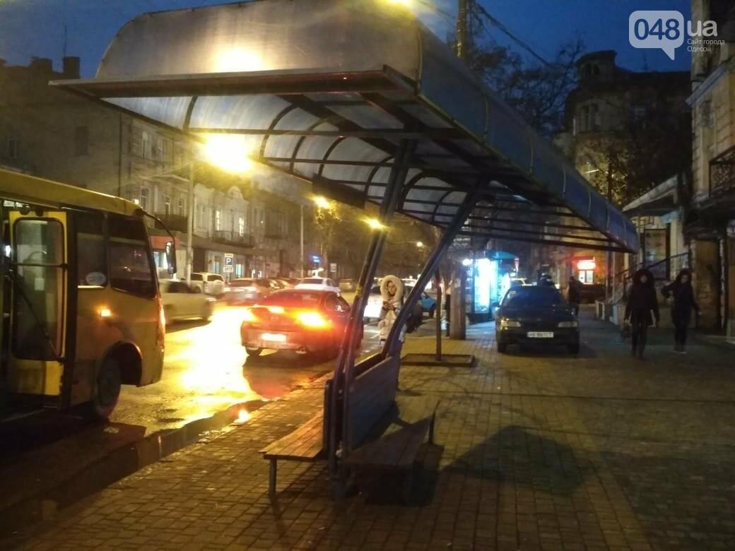 """В Одессе """"пизанская"""" остановка угрожает жизни людей, - ФОТО, фото-4"""