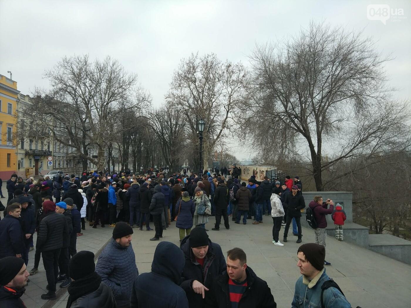 """Они стояли под Дюком и сильным впечатлением: в Одессе """"кинули"""" титушек, - ФОТО, фото-5"""
