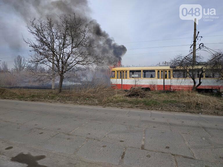 20 трамвай ходит без перебоев несмотря на пожар у них на пути