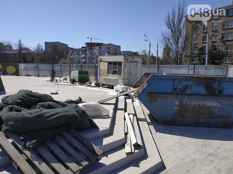 Обелиск на площади 10 апреля. Окончание реставрация