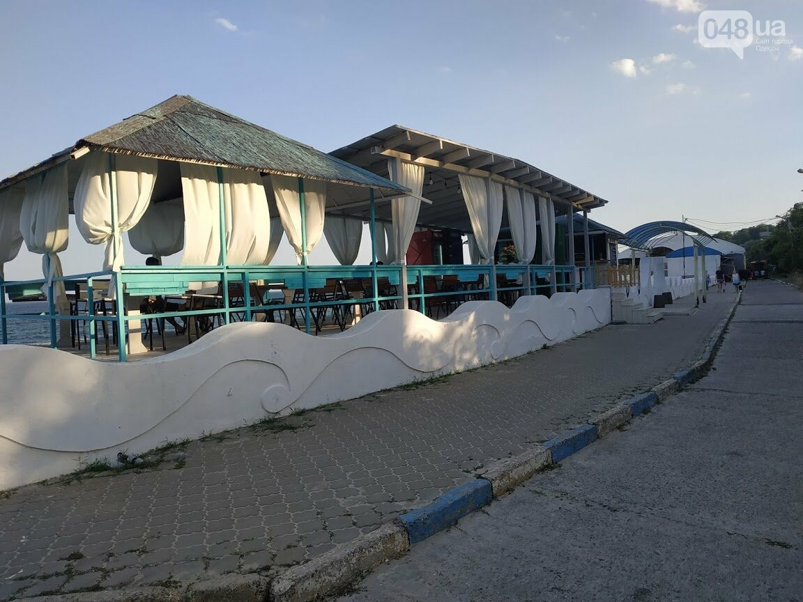 """Пляжный комплекс """"Куба"""" на 13-ой станции Большого Фонтана"""