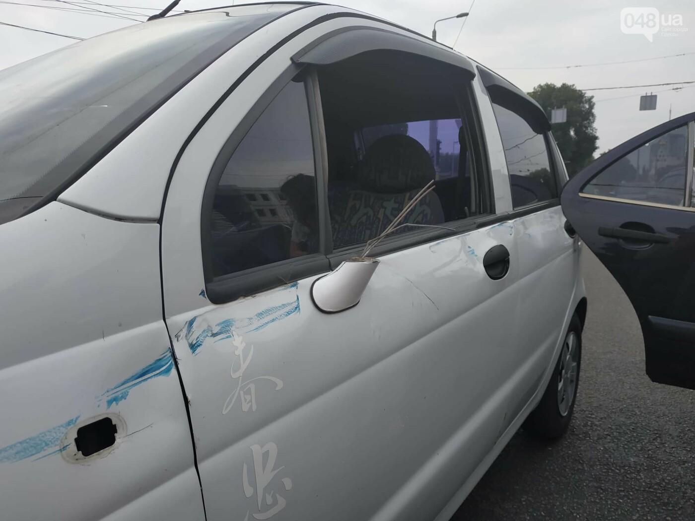 """Пассажир, """"выпрыгнувший"""" посреди дороги в Одессе: стали известны подробности ДТП, - ФОТО, фото-8"""