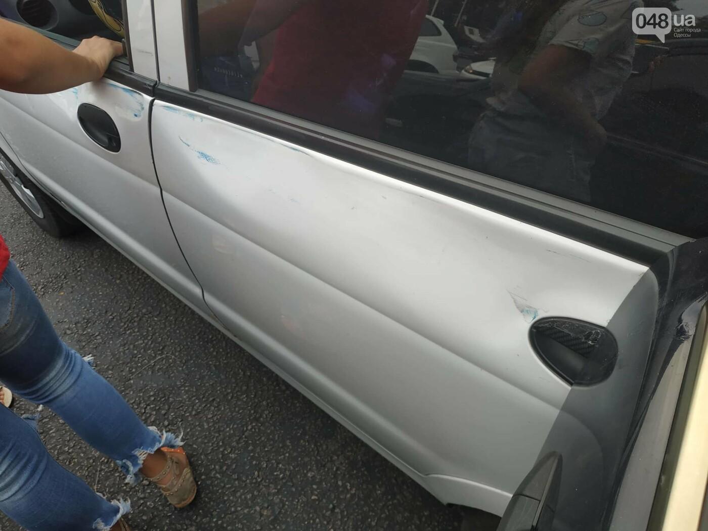 """Пассажир, """"выпрыгнувший"""" посреди дороги в Одессе: стали известны подробности ДТП, - ФОТО, фото-13"""