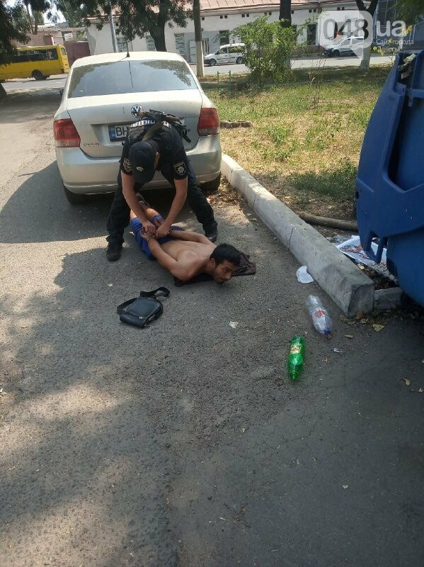 В Одессе активист помог задержать мужчин, вырвавших из рук ребенка телефон, - ФОТО, фото-7, ФОТО: Андрей Ким