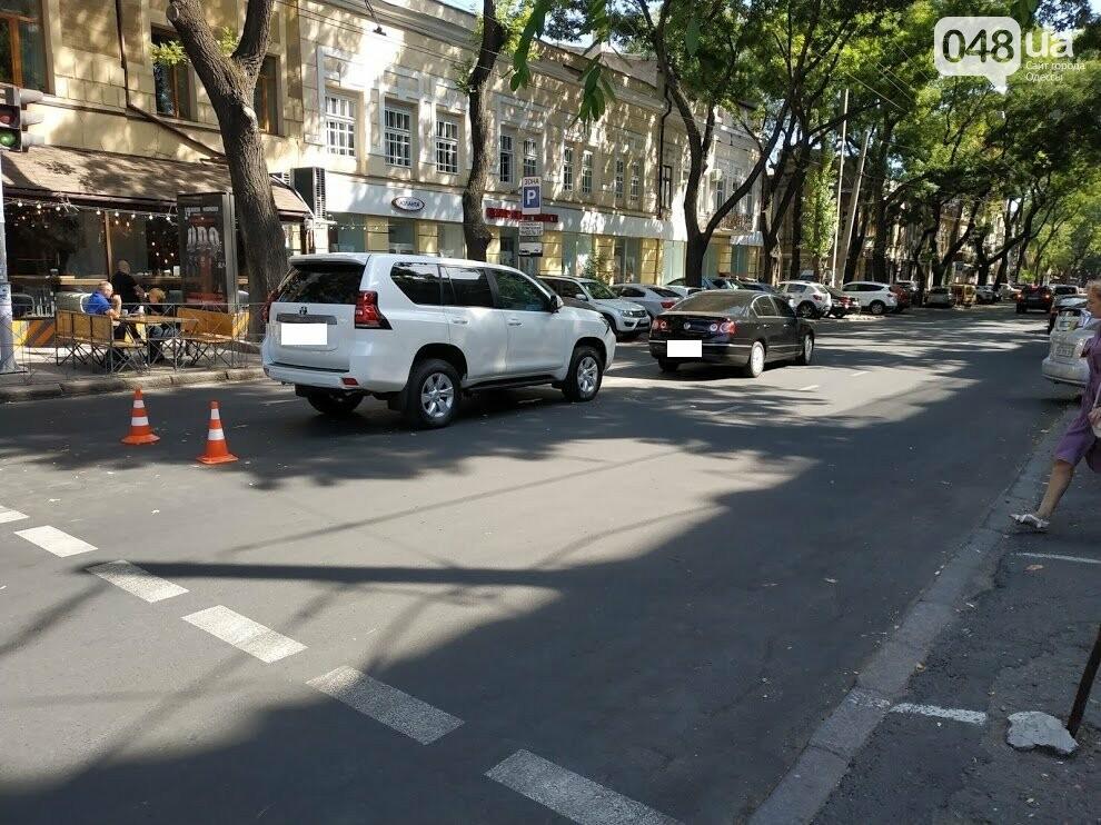Авария в центре Одессы: водителя увезла скорая, - ФОТО, фото-1