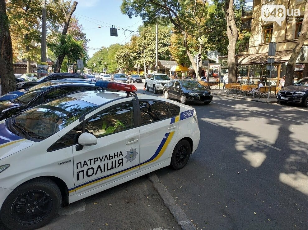 Авария в центре Одессы: водителя увезла скорая, - ФОТО, фото-2