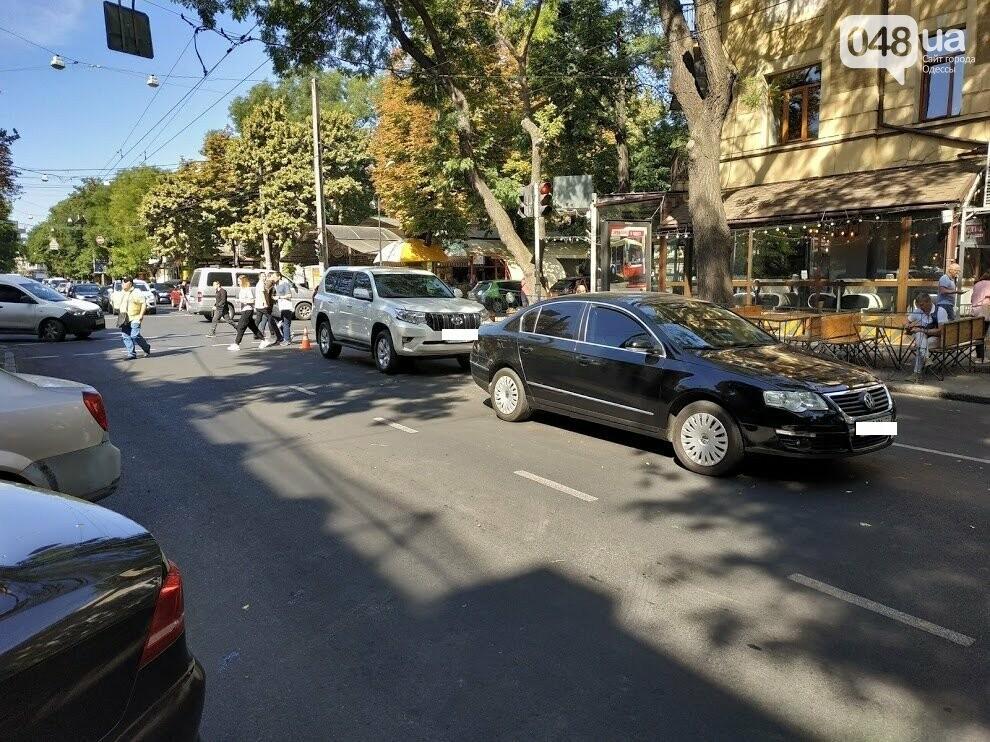 Авария в центре Одессы: водителя увезла скорая, - ФОТО, фото-3