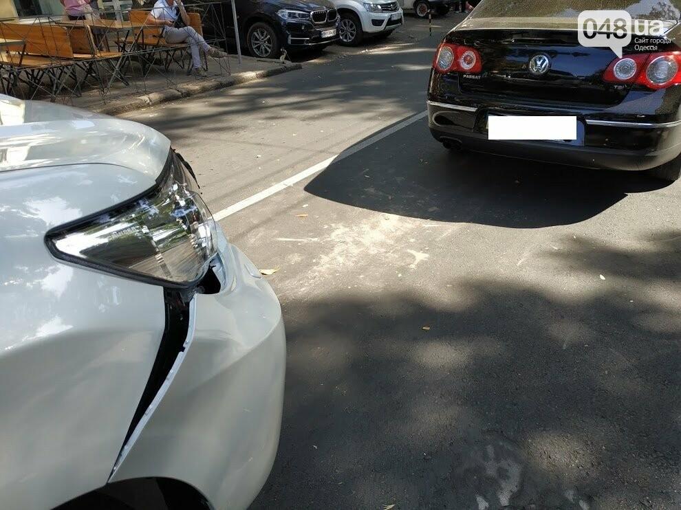 Авария в центре Одессы: водителя увезла скорая, - ФОТО, фото-6