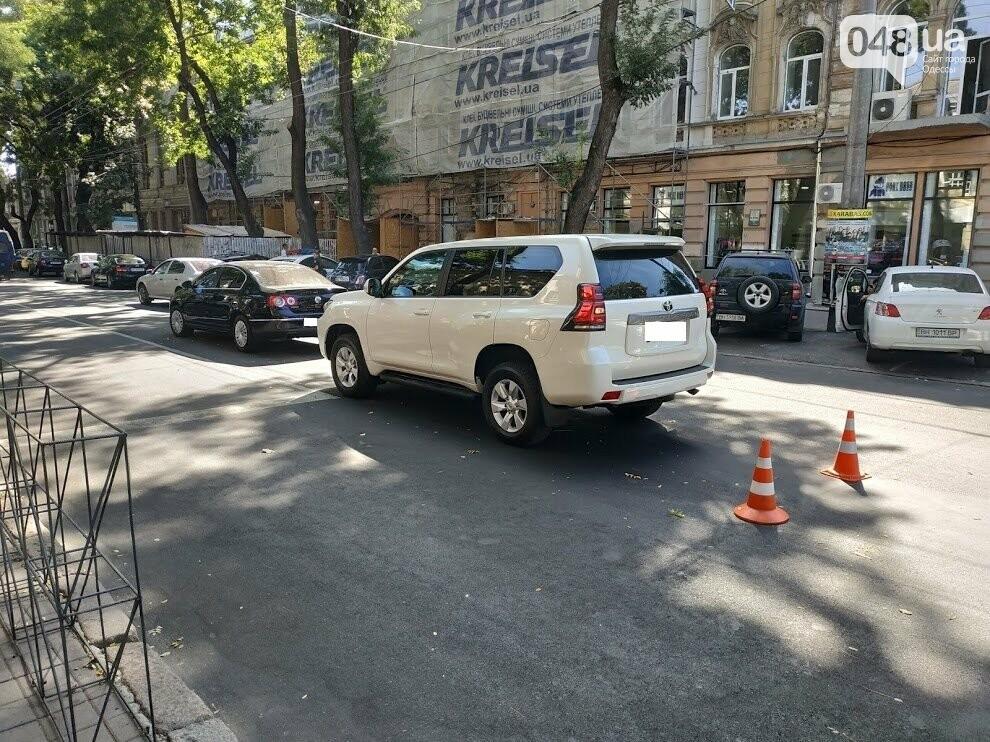 Авария в центре Одессы: водителя увезла скорая, - ФОТО, фото-10