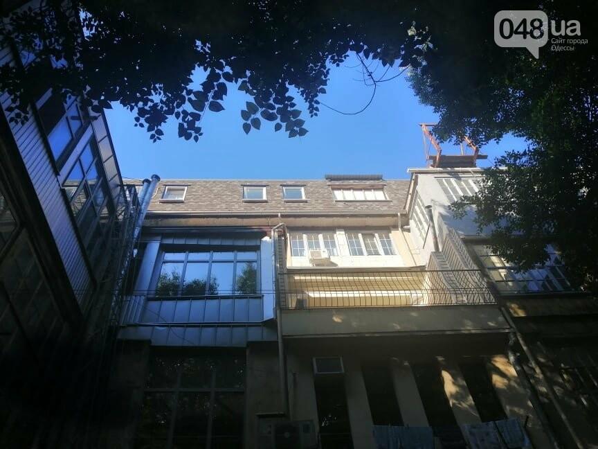 В Одессе отремонтируют фасад и крышу дома со скандальной мансардой, - ФОТО, фото-3