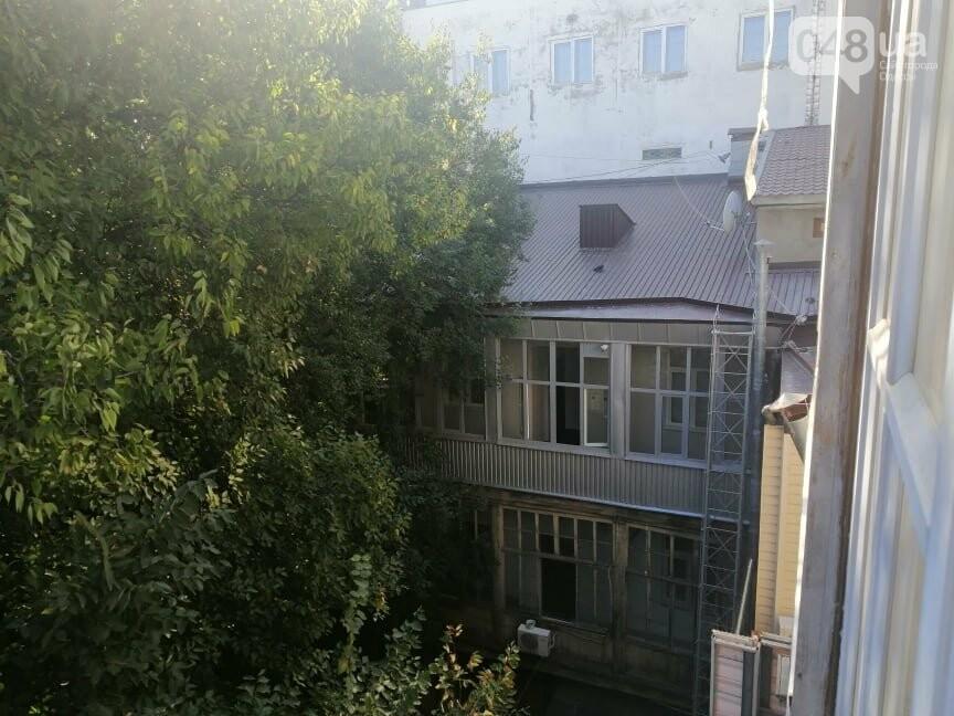 В Одессе отремонтируют фасад и крышу дома со скандальной мансардой, - ФОТО, фото-5