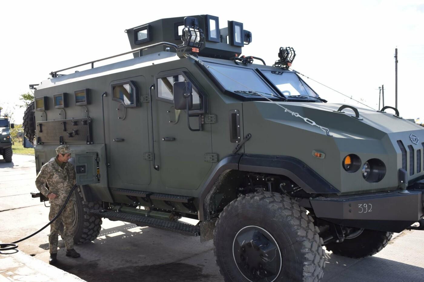 Современные бронированные автомобили передали военным Одесской 28 бригады, - ФОТО , фото-4