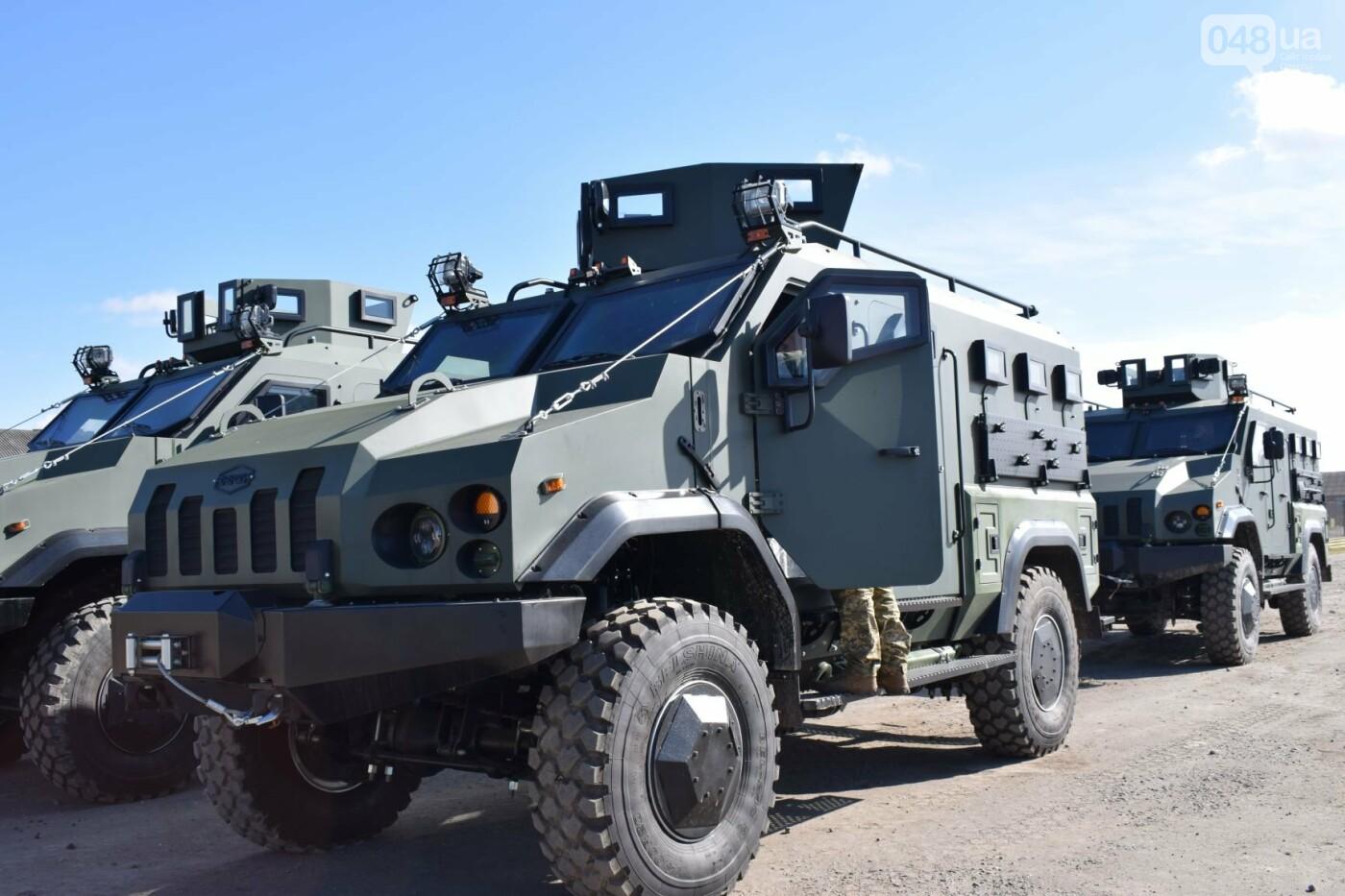 Современные бронированные автомобили передали военным Одесской 28 бригады, - ФОТО , фото-3