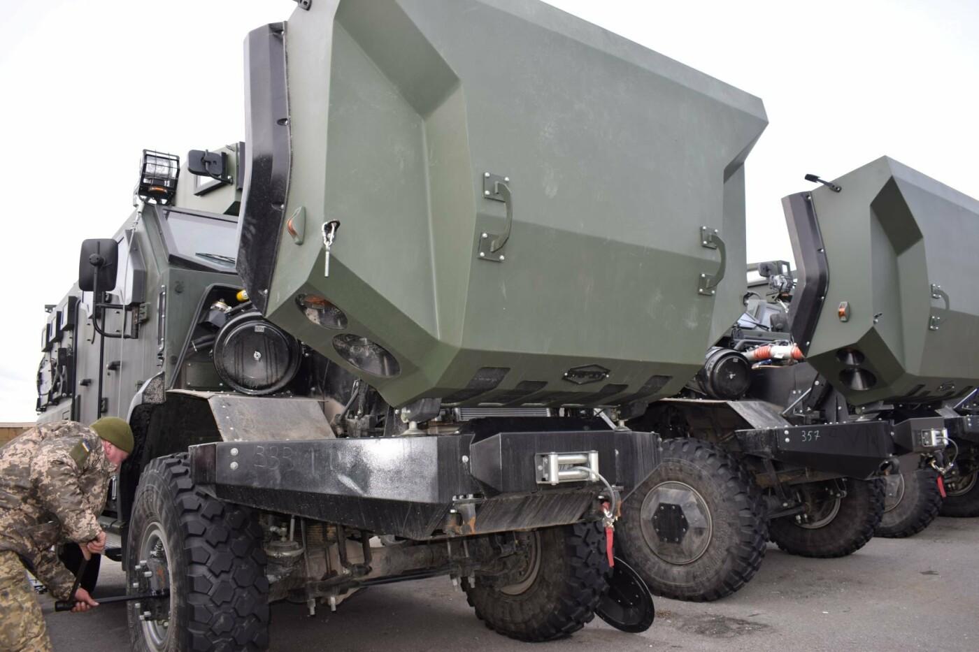 Современные бронированные автомобили передали военным Одесской 28 бригады, - ФОТО , фото-2