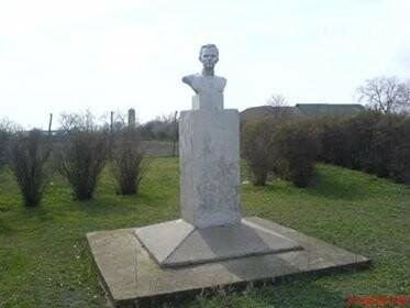 Памятник Ленину в с. Владичень